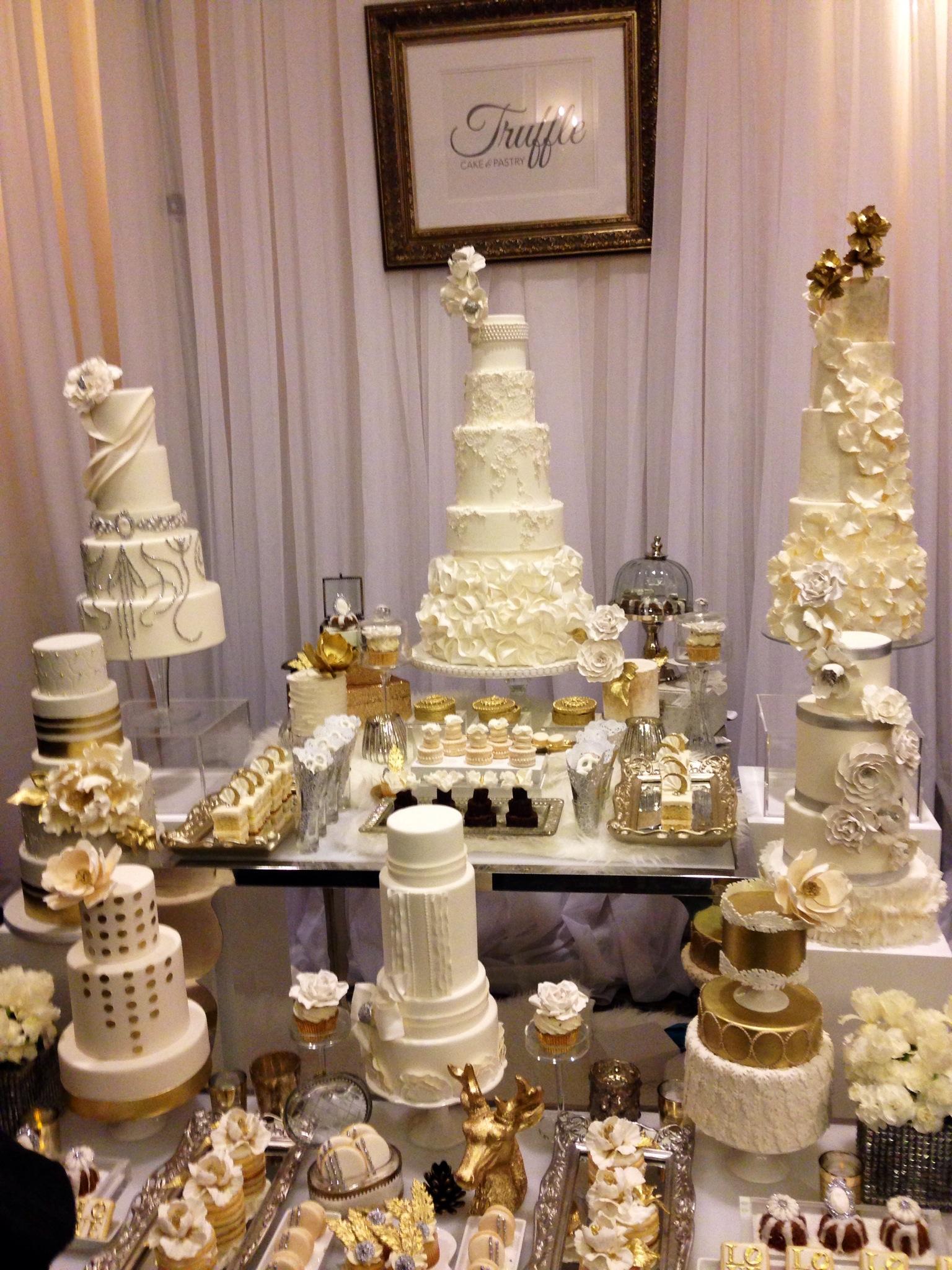 weddingcakes-wedluxeshow-torontoweddingplanner