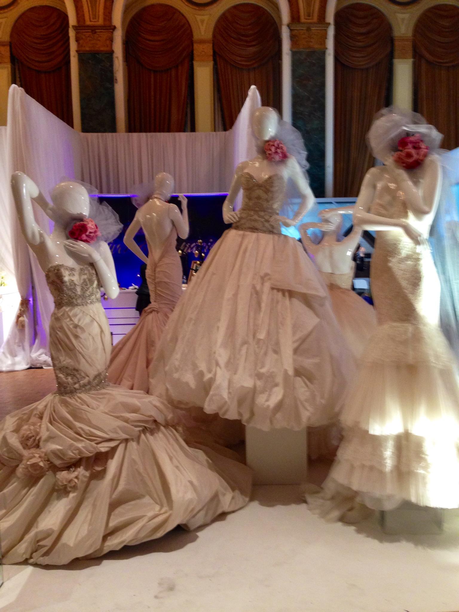 weddingdresses-wedluxeshow-torontoweddingplanner