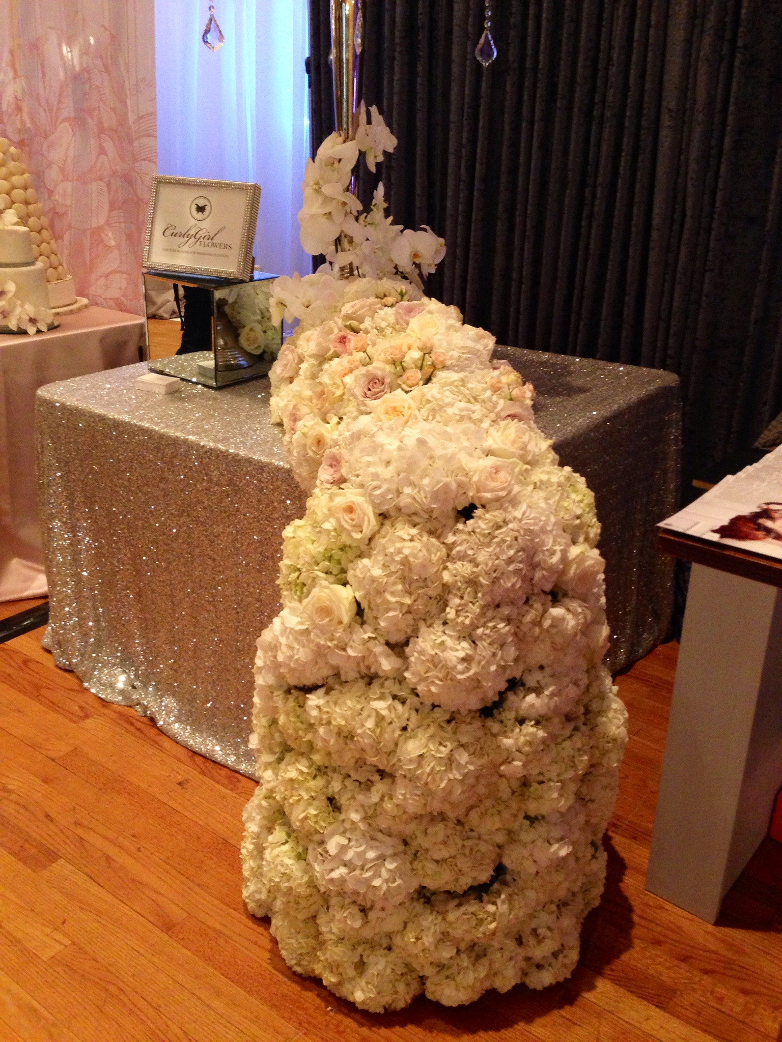 weddingflowers-curlygirlflowers-wedluxeshow-torontoweddingplanner