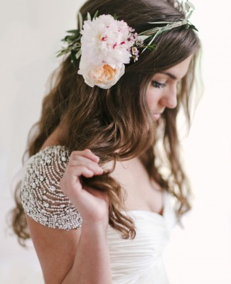 floral-crown-wedding-trends 1