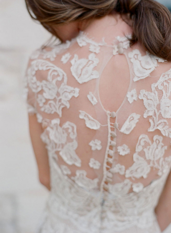 Sheer lace and button wedding gown back with keyhole for Lace button back wedding dress